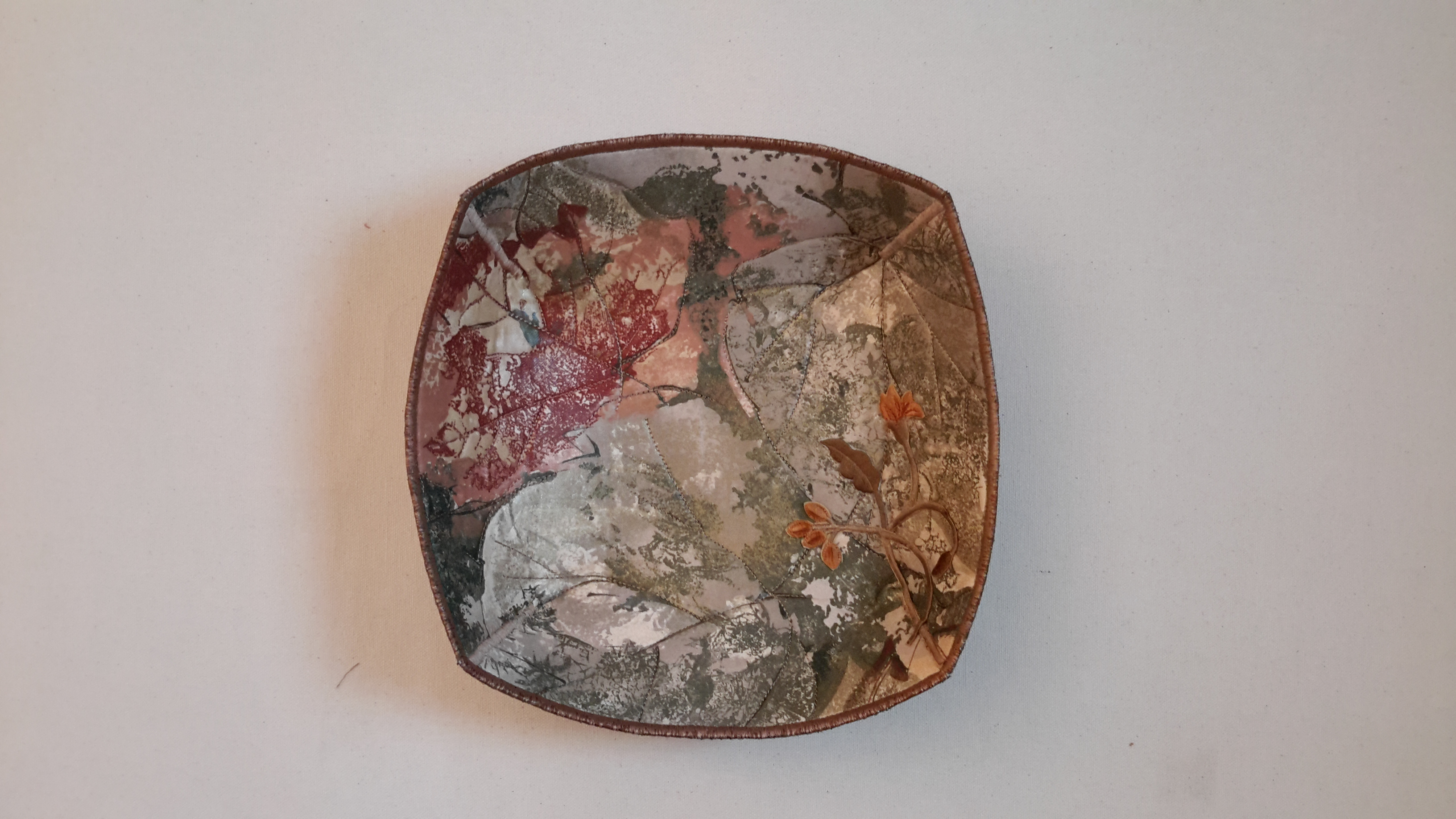 Silkscreen Leaf Quilted Bowl